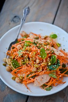 This indian-spiced carrot salad is vegan, healthy and ready in a snap.
