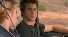 Brendan Fehr and maria | Michael (Brendan Fehr) in auto con Maria nell'episodio 'Statale Sud ...