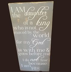 Christian home decor - rustic home decor- distressed wooden sign - Christian woman gift - Christian wall art - I am a daughter of the king