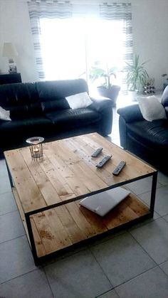 wooden pallet coffee table with metal frame