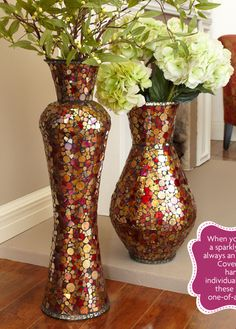 When you mix or match, a sparkly mosaic vase is always an attention-getter. Covered with tiny, hand-painted, individually-cut glass tiles, these vases are true one-of-a-kind creations. Mosaic Vase, Mosaic Flower Pots, Mosaic Diy, Mosaic Tiles, Glass Tiles, Glass Art, Floor Vase Decor, Vases Decor, Floor Vases