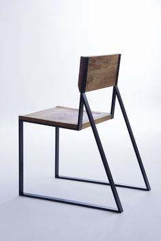 K1 Chair / oak wood + steel / by Moskou