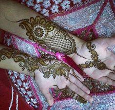 Beautiful New Henna Designs, Hena Designs, Mehandhi Designs, Arabic Henna Designs, Unique Mehndi Designs, Beautiful Mehndi Design, Henna Tattoo Designs, Mehendi, Mehandi Henna