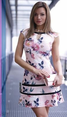 Swans Style is the top online fashion store for women. Shop sexy club dresses, jeans, shoes, bodysuits, skirts and more. Simple Dresses, Pretty Dresses, Casual Dresses, Short Dresses, Summer Dresses, Floral Fashion, Women's Fashion Dresses, Dress Skirt, Dress Up