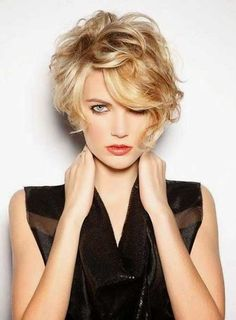 20 Short Hairstyles For Wavy Hair: #15. Glamorous Messy Blonde Hairstyle for Girls