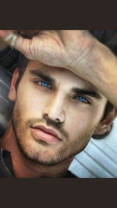 Afternoon eye candy: Hotties with dark hair and light eyes photos) Beautiful Eyes, Gorgeous Men, Pretty Eyes, Amazing Eyes, Amber Eyes, Too Faced, Light Eyes, Hommes Sexy, Male Face