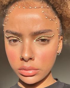 12 Makeup Trends That Are Going to Be Everywhere in 2020 Euphoria Makeup Looks Makeup Trends Make Up Looks, Beauty Make-up, Beauty Hacks, Beauty Women, Cute Makeup, Hair Makeup, Gorgeous Makeup, Makeup Geek, Glow Makeup