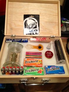 i want this, its good to have with you. it the best stoner kit