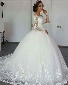 💞🙋♀Detaliile unice din noua colectie de rochii de mireasa creaza povesti de vis pentru fiecare mireasa.🙋♀💞