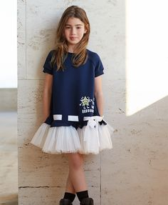 The petticoat style skirt on this dress is extraordinary! Frocks For Girls, Kids Frocks, Toddler Girl Dresses, Little Girl Fashion, Kids Fashion, Baby Dress Design, Baby Dress Patterns, Little Girl Dresses, Mode Inspiration