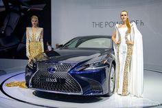 Thị trường ô tô Việt nam đang rất hào hứng với các mẫu xe mới. Cùng điểm qua những mẫu xe ôtô mới ra mắt tại triển lãm ô tô Việt nam 2017 diễn ra vào đầu tháng 8/2017.