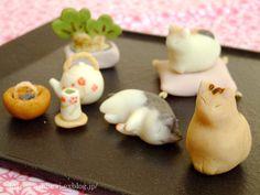 Mini cat Japanese pastries
