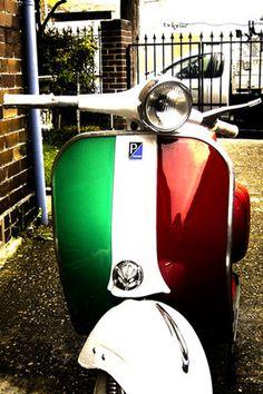 Vespa with Italian flag!