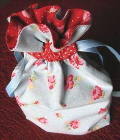 saquinho-passo-a-passo-tutorial-molde-patchwork-tecido