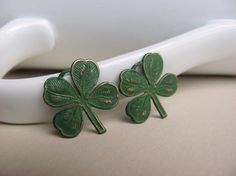 St Patty's day earrings! I want these~!