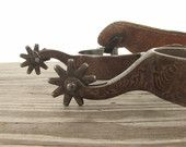 Western Cowboy Riding Spurs / Old Metal Rustic Leather Strap