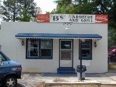 The best places for BBQ in North Carolina. These places will leave your mouth watering! Visit North Carolina, North Carolina Homes, Cool Places To Visit, Places To Go, Staunton Virginia, Hiking Places, Vintage Diner, Lake Lure, Best Bbq