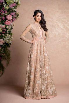 Indian Fashion — Shyamal and Bhumika | Spring 2017    Models |...