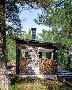 Sauna in Kirkkonummi Small Modern House Plans, Sun House, Sauna Design, House In Nature, Modern Cottage, Garden Buildings, Black House, Outdoor Living, Firewood Storage