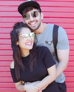 Indien Movie's Actress Or Famous Singer Neha Kakkar Biography and Lifestyle Cute Couple Selfies, Cute Couple Images, Cute Couple Poses, Couple Photoshoot Poses, Couples Images, Couple Posing, Cute Couples, Wedding Photoshoot, Couple Pictures