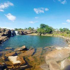@Regrann from @turistukeando -  Top 5 IMPERDIBLES en la Gran Sabana:   1. Salto Kamá o (Kamá-merú) Una espectacular cascada de la Gran Sabana al lado de la carretera principal mide unos 50 mts de altura y es una de los sitios preferidos para acampar Se encuentra ubicado enel Km. 201 de la carretera vía Brasil troncal 2.) Balneario Soroape: También muy bueno para acampar y bañarse en el río de ese nombre. El río y las formaciones rocosas del lugar dan origen a relajantes y tranquilas lagunas…