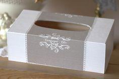"""Boite à mouchoirs romantique, en bois -""""Campagne chic"""" - esprit shabby chic : Boîtes, coffrets par charmy-co"""