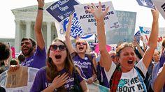 In Texas gelden strenge regels voor abortusklinieken en artsen. Dat beperkt vrouwen bij hun recht om abortus te ondergaan, stellen de rechters.