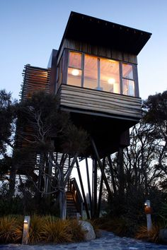 10-cabanes-incroyables-qui-vous-feront-regretter-de-ne-pas-habiter-dans-les-arbres5