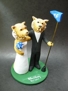 Custom made to order Cougar college mascot wedding cake toppers. $235 www.magicmud.com 1 800 231 9814 magicmud@magicmud... blog.magicmud.com twitter.com/... $235 #mascot #collegemascot #hokie #ms.wuf #gators # bobcatmascot #virginiatech #football mascot #wedding #toppers #custom #Groom #bride #weddingcaketoppers #caketoppers www.facebook.com/... www.tumblr.com/... instagram.com/... magicmud.com/Wedding photos.htm