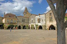 BASTIDE DE MONPAZIER - Villes, Villages et Bastides à Monpazier - Guide du Périgord