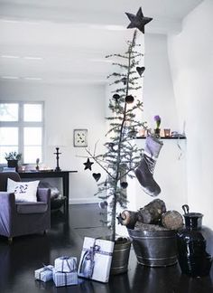 I love this Charlie Brown tree!
