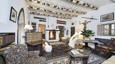 The influence of Southwestern art is strong throughout this nine-bedroom, nearly…