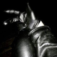 Leather and Bondage blog brought to you by Arnaud - Mister Leather Amsterdam and Mr. Leather Europe...