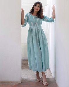 Girls Frock Design, Long Dress Design, Dress Neck Designs, Designs For Dresses, Kalamkari Dresses, Ikkat Dresses, Dress Indian Style, Indian Fashion Dresses, Indian Wear