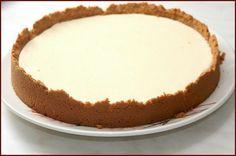 Rýchla torta zo Salka: Na jej prípravu vám postačí len 5 surovín! Czech Desserts, Sweet Desserts, Vegetarian Recipes Easy, Desert Recipes, Cheesecakes, Bon Appetit, Vanilla Cake, Deserts, Fondant
