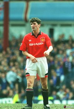 Roy Keane Manchester United Images, Manchester United Legends, Manchester United Players, Roy Keane, British Football, Football Images, Premier League Champions, Man United, Football Shirts