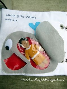 Laura Thoughts: Quiet Book Week - Jonah & the Whale {Template} definitely making one of these in the future