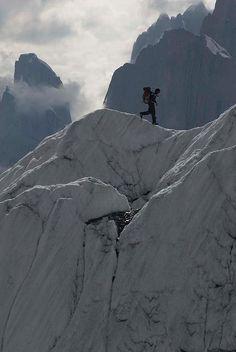 On the ridges of Gasherbrum II, Karakorum Mountains, Northern area Pakistan (by ergobachmann).