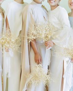 Points You Should Know Prior To Obtaining Bouquets Our Obsession With These 2019 Wedding Trends Is Real - Color Blocked Decor, Sleeved Wedding Dresses And Wearable Flowers Among Them If You Were Enchanted Last Year By The Creative Use Of Blooms Across The Wedding Flower Arrangements, Wedding Centerpieces, Wedding Decorations, Wedding Dried Flowers, Modern Wedding Flowers, Dried Flower Bouquet, Wedding Trends, Wedding Styles, Wedding Dress Sleeves