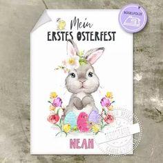 Bügelbild für das erstes Osterfest mit Namen personalisierbar mit süßem Osterhasen. Eine tolle Geschenkidee für das Patenkind zu Ostern und eine einfache DIY bastel Idee für Babys. Mit Bügelanleitung für dein Kleidungsstück#feenstaub #ostern Babys, Teddy Bear, Animals, Godchild, Easter Bunny, New Ideas, Simple Diy, Names, Animales
