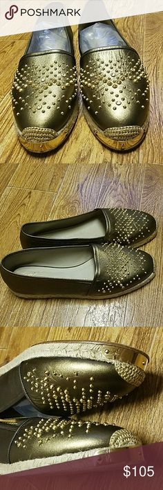 """1 day sale🎉Giuseppe Zanotti olive green metallic 🎉🎉Sunday- 12/3 only🎉🎉Super cute Womens Giuseppe Zanotti olive green metallic leather, gold studded flats. """"Drillas 05"""" Authentic, no missing stones/studs. Size 41.  Fits like a size 9.5/10.   Normal wear on bottom (see pic).   Braided jute midsole.  Good condition and lots of life left.  No box, no dust bag.  Own a pair of Giuseppe's for a great firm price!! Giuseppe Zanotti Shoes Espadrilles"""
