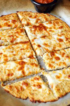 Cauliflower Cheese Sticks, Cauliflower Breadsticks, Cheesy Cauliflower, Cauliflower Recipes, Italian Cheese Bread, Best Low Carb Bread, Garlic Cheese, Sans Gluten, Gluten Free