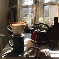 New photography food breakfast sunday morning ideas Coffee Break, Coffee Time, Morning Coffee, Sunday Morning, Morning Mood, Tea Time, Coffee Photography, Food Photography, Cafe Rico