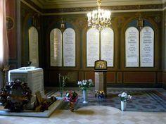 Chapelle Sainte Catherine de la Cathédrale des Saints Pierre et Paul - Saint Petersbourg - C'est ici que sont enterrés Nicolas II et sa famille.