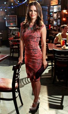 Hart of Dixie's Fashion Credits Season 2, Episode 4 Dr. Zoe Hart wears a Gryphon dress, accessorized with a Lionette necklace, Dries Van Noten shoes, and a Phlox clutch.