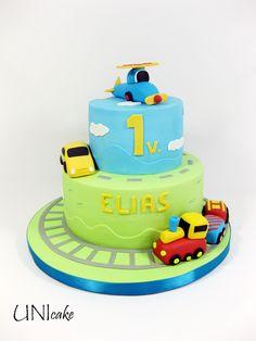 C85.  Lentokone, auto ja juna. Kakku  Plane, car and train. Cake