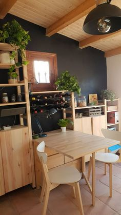 Best kitchen ivar ikea Source by EstherInCoogee . Home Decor Kitchen, Kitchen Furniture, Ikea Kitchen, Style At Home, Ivar Regal, Sophisticated Living Rooms, Ikea Living Room, Small Apartments, Cool Kitchens