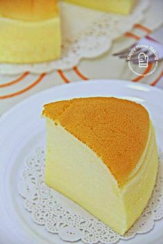 Chanced upon this 酸奶蛋糕 yoghurt cake from a Chinese website when I googled for a recipe to use up the two small tubs of yoghurt before t...
