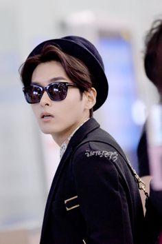 140321 Ryeowook at Incheon Airport (to Beijing) Kim Ryeowook, Siwon, Leeteuk, Heechul, Super Junior Members, Hong Jong Hyun, Last Man Standing, Kpop Guys, Incheon