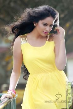 Nandita Swetha is an Indian film actress, who predominantly appears in Tamil & Telugu films. South Indian Actress Hot, Indian Actress Hot Pics, Most Beautiful Indian Actress, Beautiful Actresses, Indian Actresses, Cute Beauty, Beauty Full Girl, Beauty Women, Girl Photo Poses